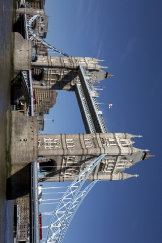 London Tower Bridge Slide Puzzle screenshot #1